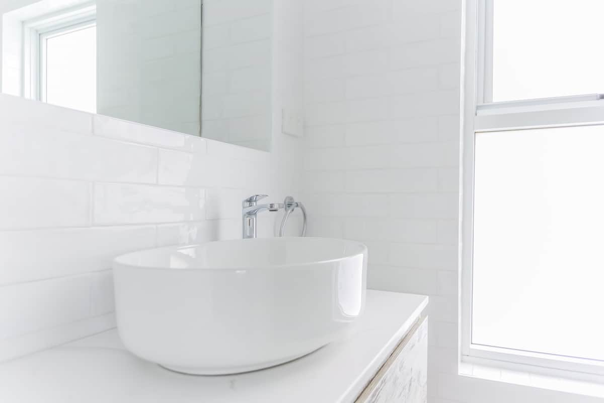 Ensuite-Bathroom-Renovation-in-Sylvania-Sydney-with-beach-style-in-white