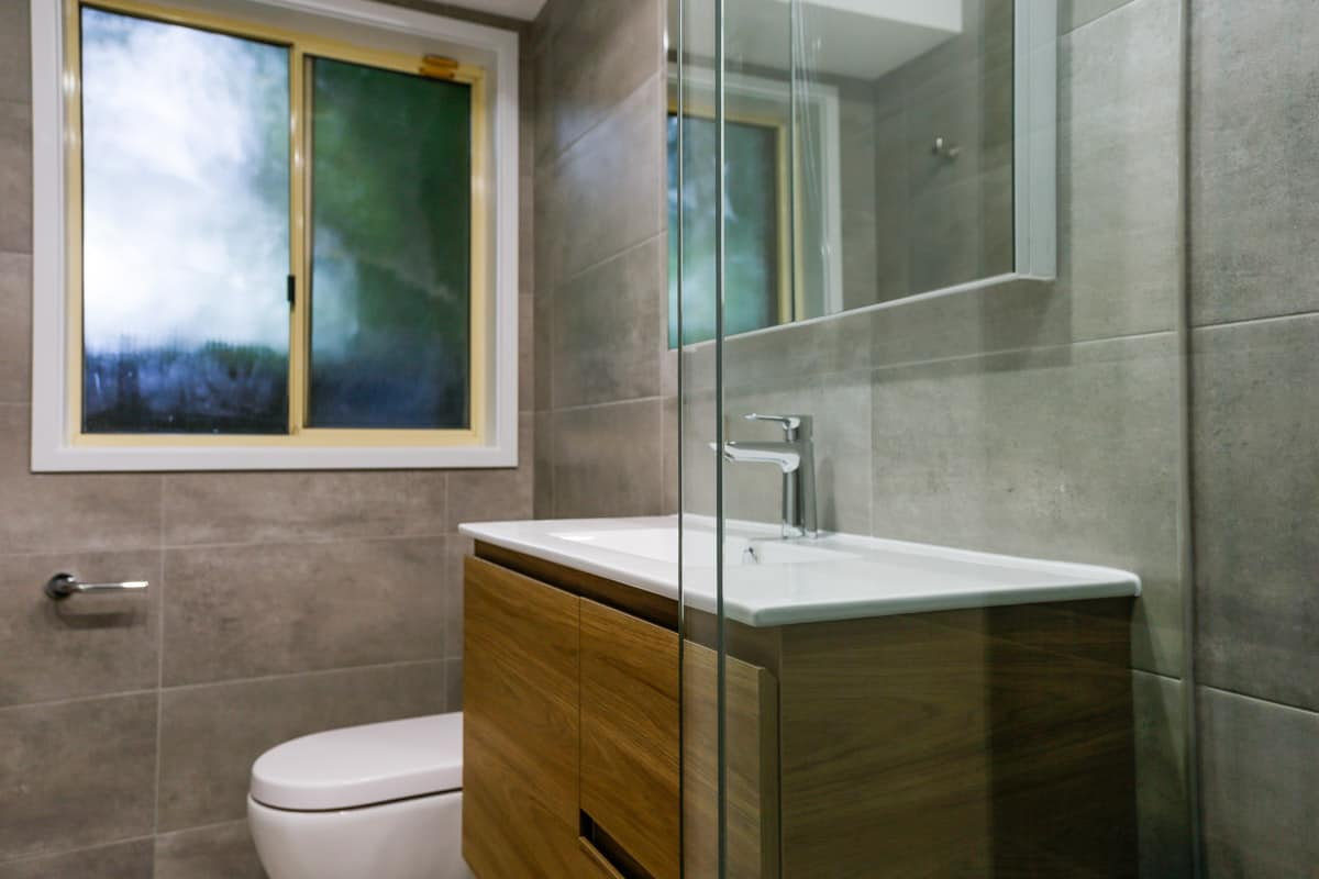 Small-bathroom-renovation-in-Sydney-with-walk-in-shower-with-Caroma-Luna-Clean-Flush