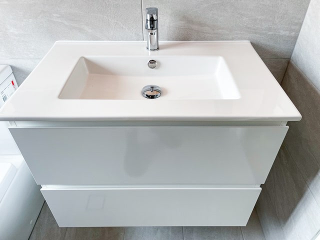 Bathroom-Renovation-Sydney-with-Vanity-Posh-domaine-alldrw-tw-750-with-ceramic-top-and-grohe-products