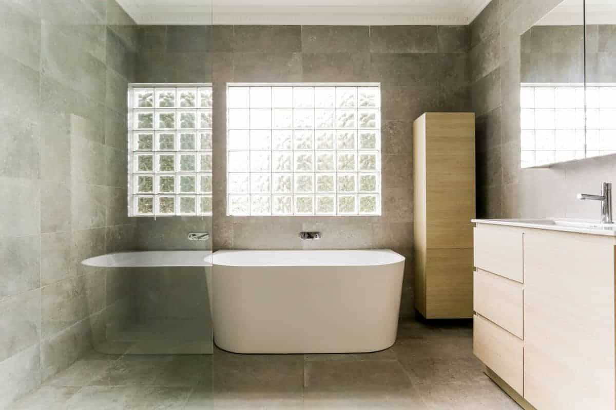 Full-bathroom-renovation-with-Posh-Domaine-Back-to-Wall-Freestanding-Bath