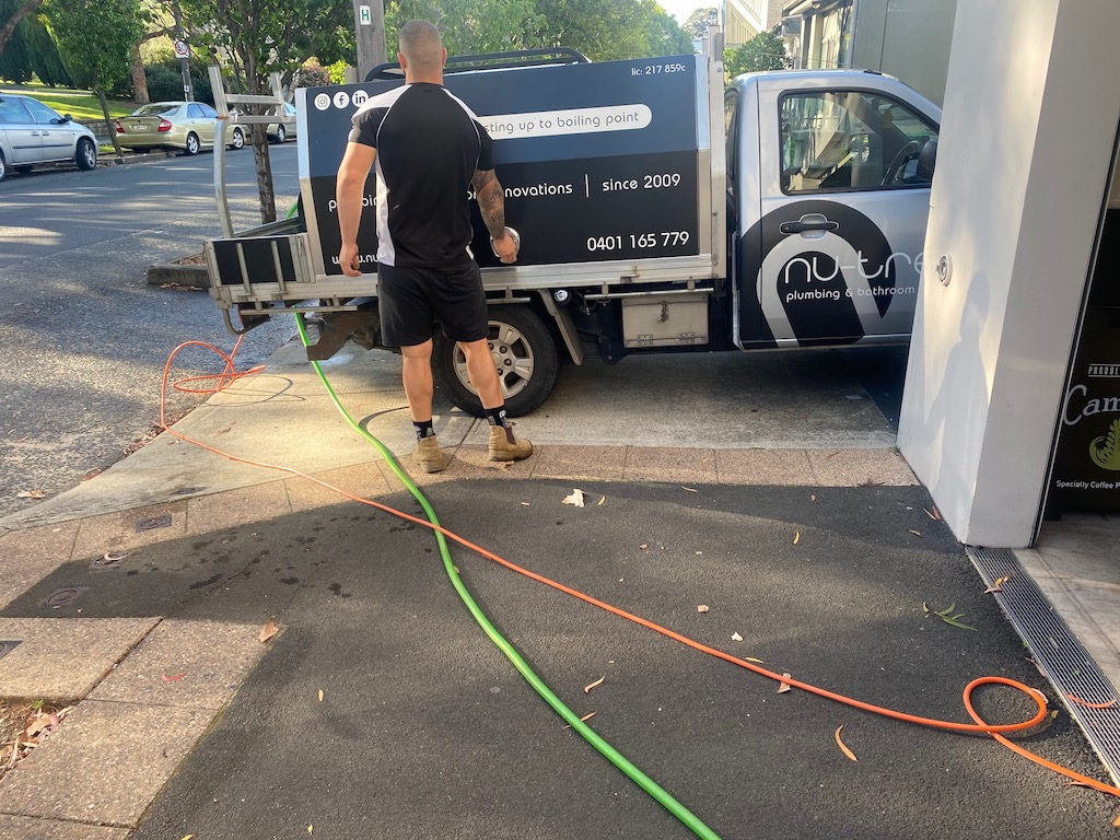 Sydney-Plumber-With-Hot-or-Cold-Water-Jet-Blast-For-Grease-Traps