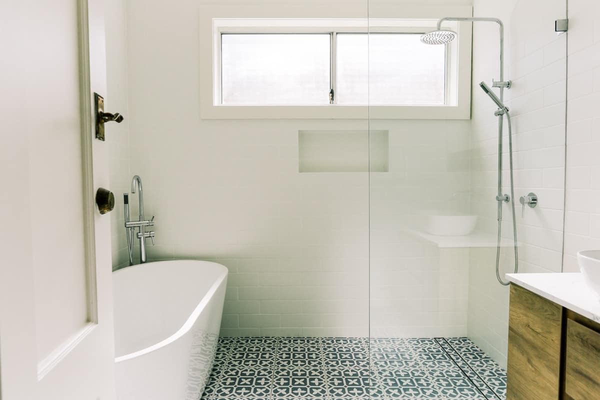 Master Bathroom Renovation With Arova Bath Tub