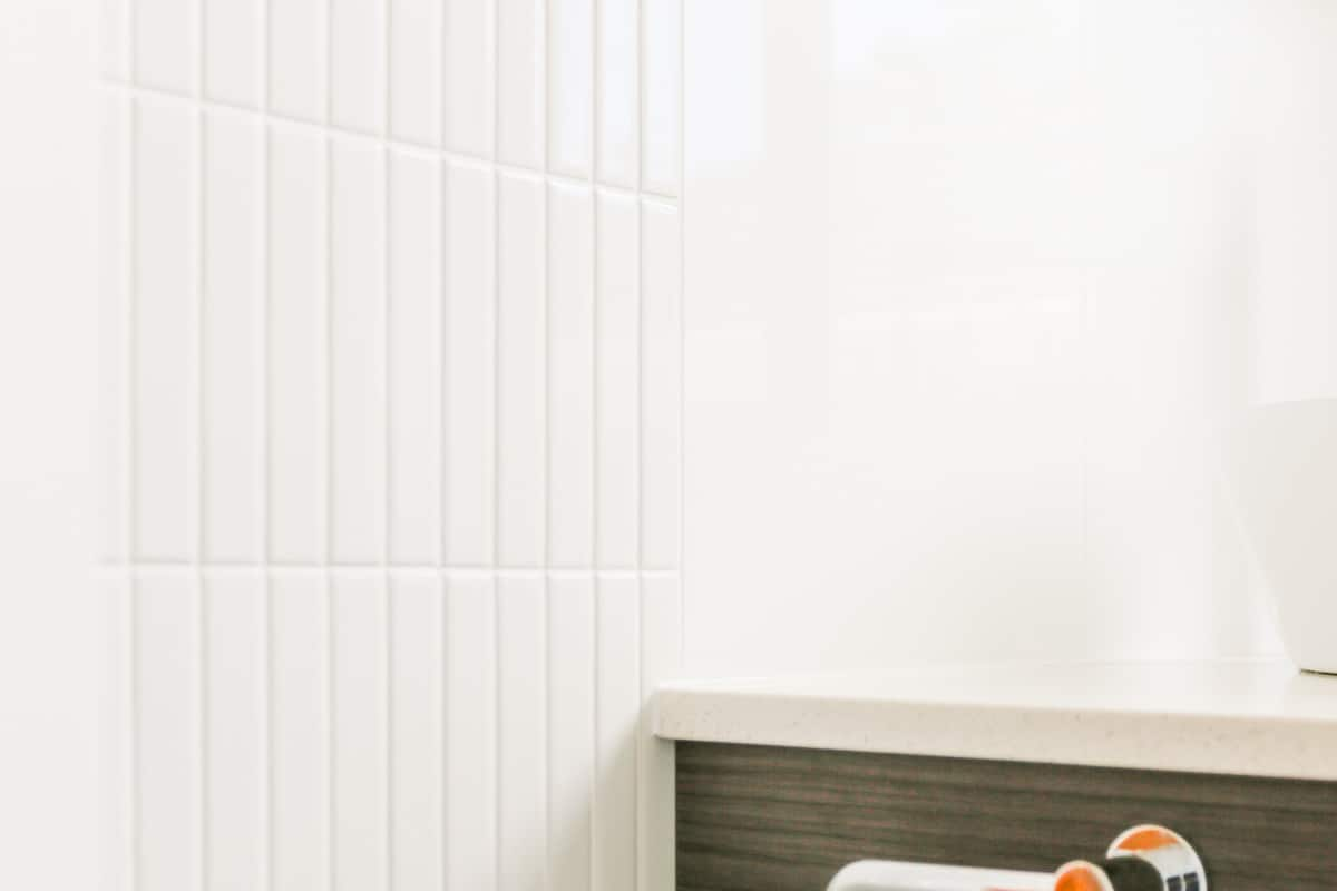 Sydney-Small-Bathroom-Renovation-with-Kit-Kat-tile-feature