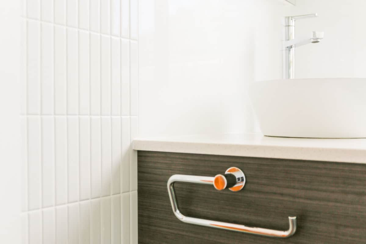 Sydney-Small-Bathroom-Renovation-with-new-tiling-and-vanity-installation