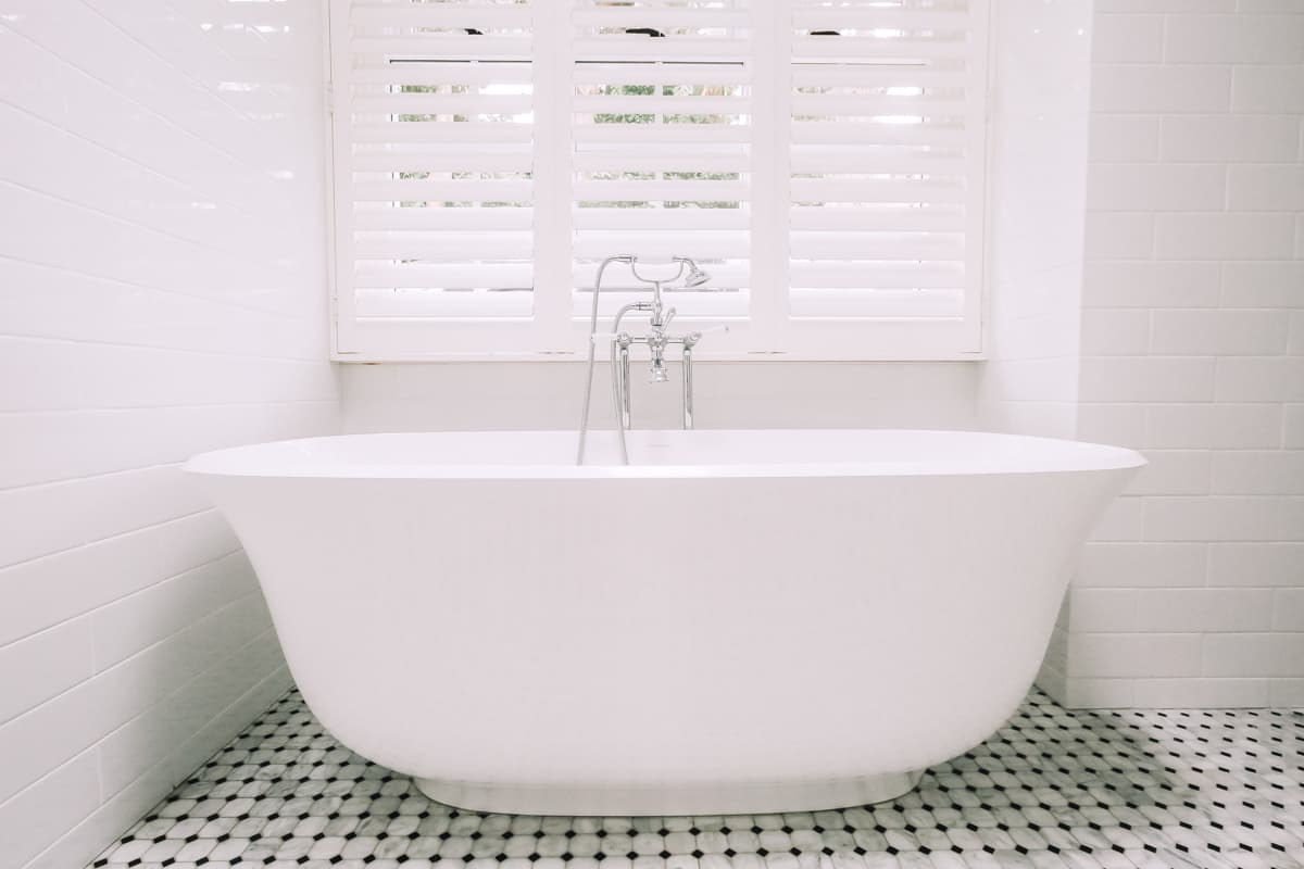 Master-Bathroom-Renovation-in-Sydney-With-Victoria-Albert-Bath-Tub
