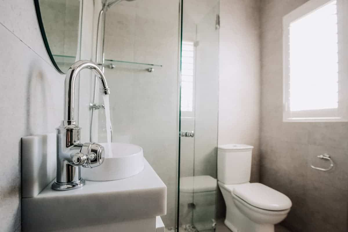 5 x Benefits Of A Bathroom And Laundry Combined